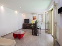 French property for sale in Cannes, Alpes-Maritimes - €200,000 - photo 4