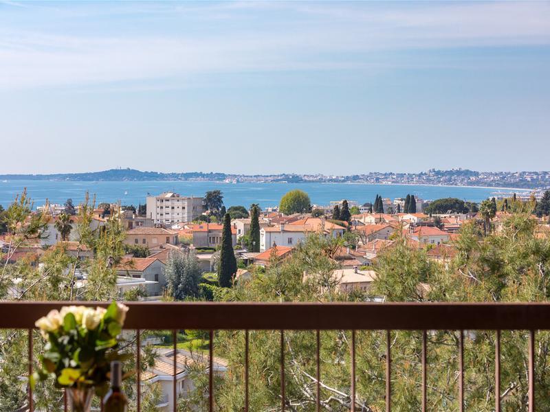 Appartement 3 pièces à vendre à Cagnes Sur Mer (06800) -  Alpes-Maritimes