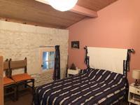 Maison à vendre à Gemozac en Charente-Maritime - photo 5