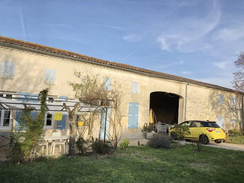 Maison à vendre à Gemozac(17260) - Charente-Maritime