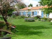 French property, houses and homes for sale inSaint Andre De LidonCharente-Maritime Poitou-Charentes