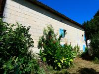 French property for sale in Saint Ciers Du Taillon, Charente-Maritime - €70,500 - photo 5