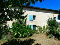 French property for sale in Saint Ciers Du Taillon, Charente-Maritime - €70,500 - photo 4