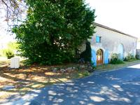 French property for sale in Saint Ciers Du Taillon, Charente-Maritime - €70,500 - photo 6