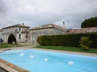 French property for sale in Saint Dizant Du Gua, Charente-Maritime - €422,500 - photo 3
