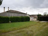 French property for sale in Saint Dizant Du Gua, Charente-Maritime - €422,500 - photo 8