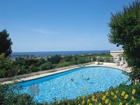 French property for sale in Bandol, Var - €489,000 - photo 2