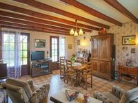 French property for sale in Avy, Charente-Maritime - €152,250 - photo 6