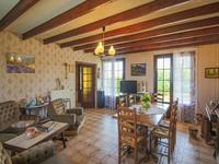 French property for sale in Avy, Charente-Maritime - €152,250 - photo 5