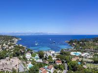 French property for sale in Antibes, Alpes-Maritimes - €2,280,000 - photo 2