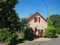 French property for sale in Isserpent, Allier - €145,000 - photo 1