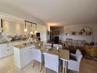 French property for sale in Mandelieu La Napoule, Alpes-Maritimes - €896,000 - photo 9