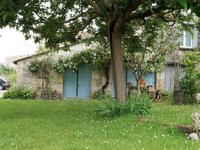 French property, houses and homes for sale inSaint Genis De SaintongeCharente-Maritime Poitou-Charentes