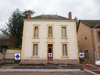 French property, houses and homes for sale inLe DonjonAllier Auvergne
