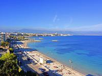 French property for sale in Antibes, Alpes-Maritimes - €1,470,000 - photo 2