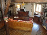 French property for sale in Ceilloux, Puy-de-Dôme - €230,000 - photo 3