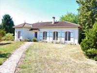 French property, houses and homes for sale inSaint Thomas De ConacCharente-Maritime Poitou-Charentes