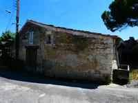 French property, houses and homes for sale inMortagne Sur GirondeCharente-Maritime Poitou-Charentes