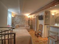 Biot - Coquette maison de village divisée en deux appartements de 50m2 chacun