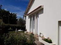 French property for sale in Cozes, Charente-Maritime - €174,000 - photo 9