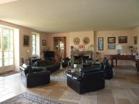 French property for sale in Vichy, Allier - €725,000 - photo 2