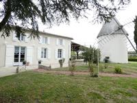 French property, houses and homes for sale inArcesCharente-Maritime Poitou-Charentes