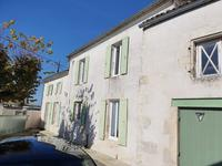 French property, houses and homes for sale inMontpellier De MedillanCharente-Maritime Poitou-Charentes