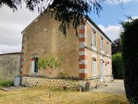 maison à vendre à Pisany, Charente-Maritime, Poitou-Charentes, avec Leggett Immobilier