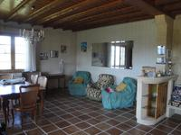 French property for sale in Vertolaye, Puy-de-Dôme - €160,000 - photo 3