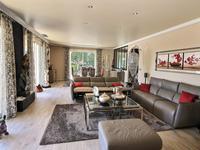 French property for sale in Saint Laurent Du Var, Alpes-Maritimes - €1,982,000 - photo 2