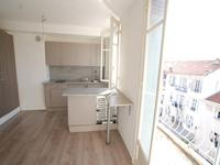 Port Riquier - F1 Rue Beaumont, high floor, elevator, balcony, RARE  !