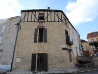 Périgord noir - Charmante maison de village avec colombages, jolie vue et garage.
