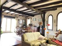 French property for sale in Epargnes, Charente-Maritime - €368,000 - photo 2