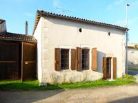 French property for sale in Clion, Charente-Maritime - €145,500 - photo 1