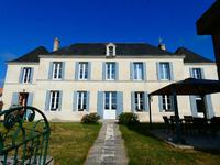 French property for sale in Saint Ciers Du Taillon, Charente-Maritime - €399,500 - photo 2